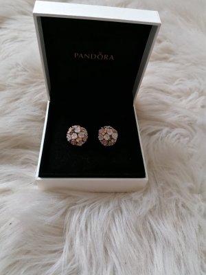 Bijou Brigitte Zdobione kolczyki w kolorze białej wełny-jasny różowy