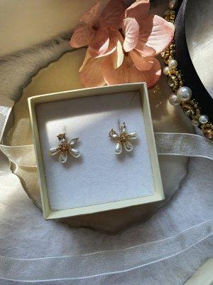 Ohrringe mit echten Perlen