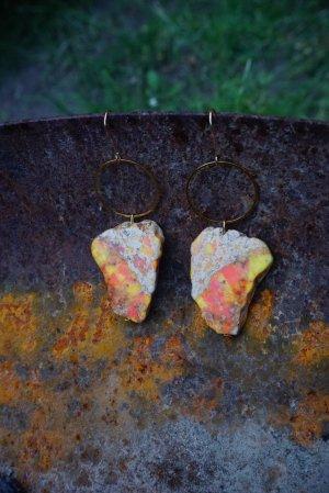 Ohrringe mit Edelsteinen