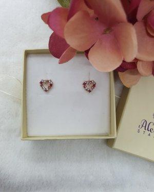Ohrringe mit Kristall Steinen in Herzform