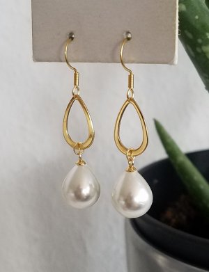 Hand made Gold Earring white-gold-colored