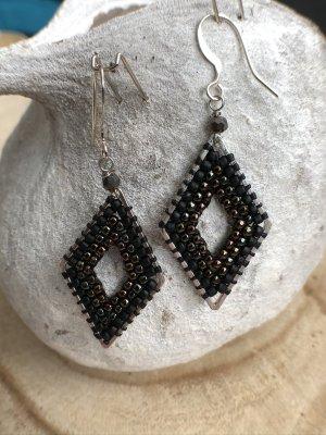 Ohrringe Ohrh Raute Miyuki Perlen silberfarben schwarz 5,2x2 cm