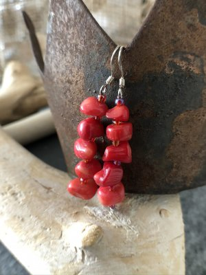 handmade Dangle raspberry-red