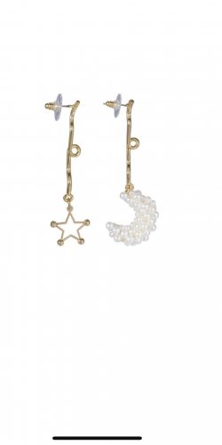 Ohrringe Ohrhänger MisMatch gold groß Statement Designer Trend 2020 stellar Mond moon stars Stern Perlen metall astral