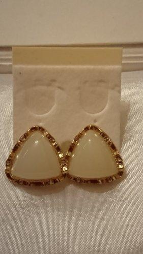 Ohrringe Ohrstecker mit weißen Stein und Strasssteine