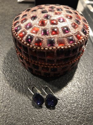 Ohrringe von Swarovski in Lila