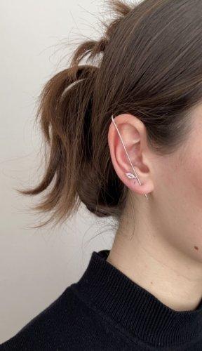 Clou d'oreille argenté