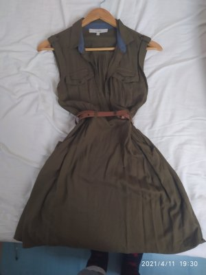 Olives Sommerkleid mit Taschen und  Gürtel