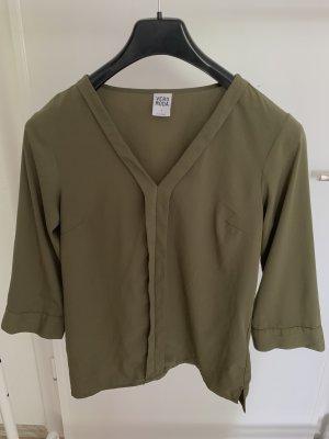 olivfarbende Bluse mit V-Ausschnitt