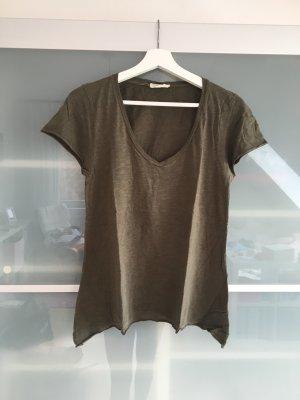 Olivfarbenes Tshirt