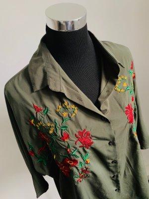 Olivgrüne Bluse Oversized-Look mit Blumenstickerei 40/42