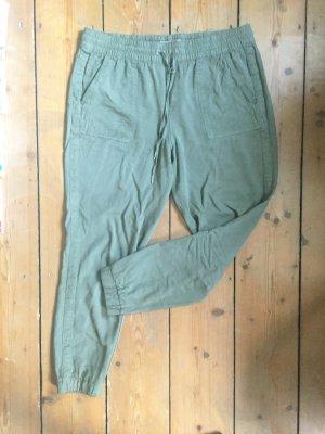 Olivgrüne Hose mit Taschen und Gummibund