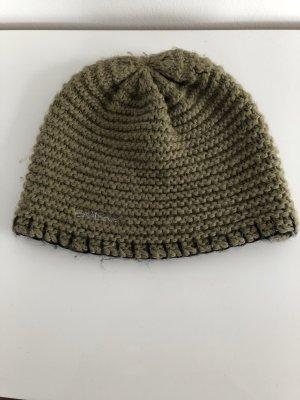 Olivgrüne Mütze von Billabong - getragen