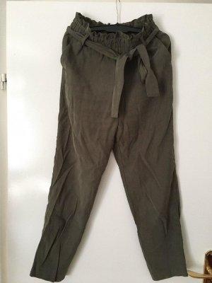 Zara Pantalon 3/4 vert olive coton