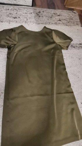 Olivgrünes Kleid