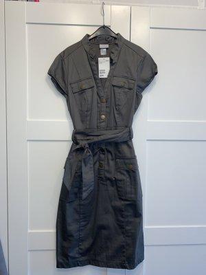 Olivgrünes Kleid für die nächste Safari - neu mit Etikett
