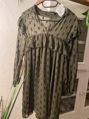 Zara Vestido de chifón verde oliva