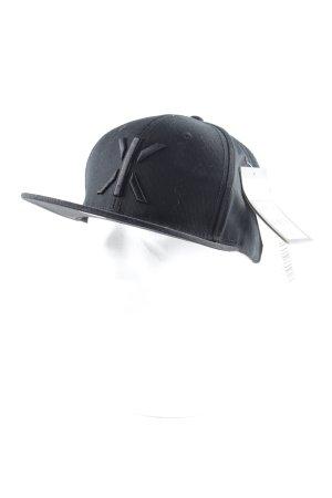 Onepiece Basecap schwarz Schriftzug gedruckt sportlicher Stil