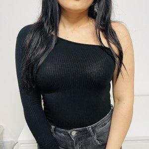 Amisu Camisa de un solo hombro negro