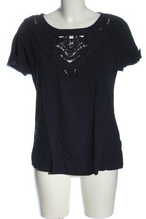 Only Camiseta Básico negro look casual