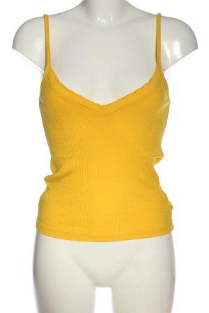 Only Camisola amarillo pálido look casual