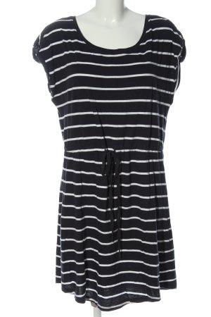 Only Carmakoma Robe Sweat noir-blanc motif rayé style décontracté