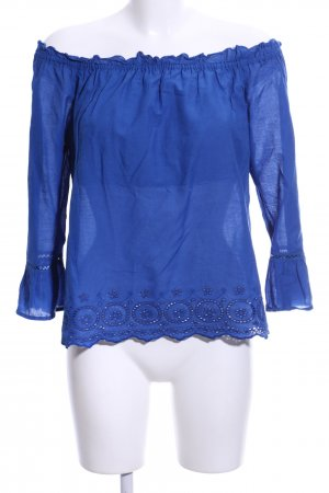 Only Blusa tipo Carmen azul look casual