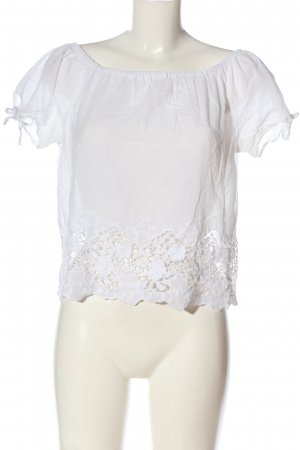 Only Blusa tipo Carmen blanco look casual