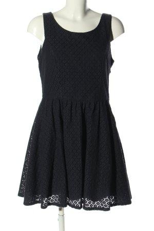 Only Vestido cut out negro estampado floral elegante