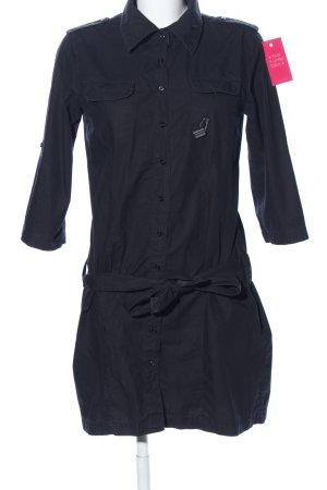 Only Vestido tipo blusón negro look casual
