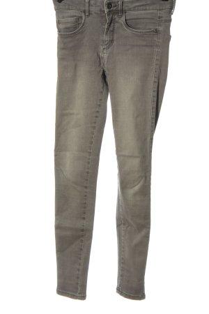 Only Pantalón de cintura alta gris claro look casual