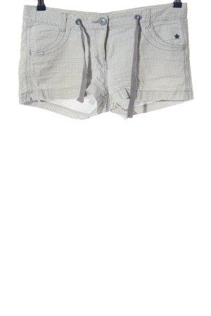 Only Hot Pants hellgrau-weiß Streifenmuster Casual-Look