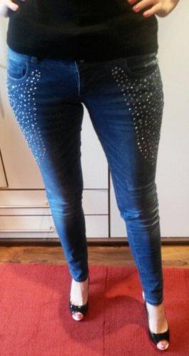 Only-Jeans mit Strassaplikation