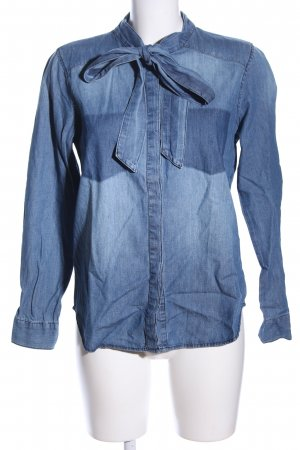 Only Camisa vaquera azul look casual