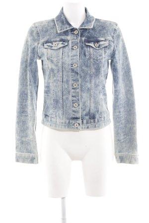 Only Jeansjacke blau-weiß Street-Fashion-Look