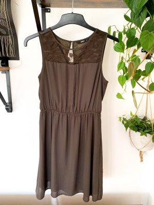 Only Kleid braun 36 mit Spitzeneinsatz