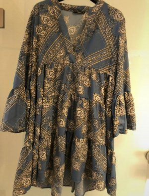 Only Sukienka z falbanami szary niebieski