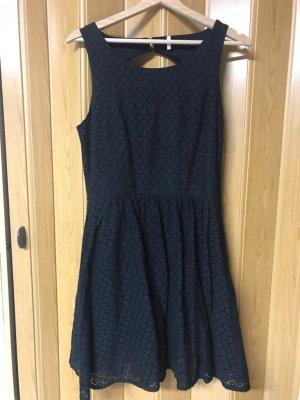 Only Kleid in schwarz gr.38
