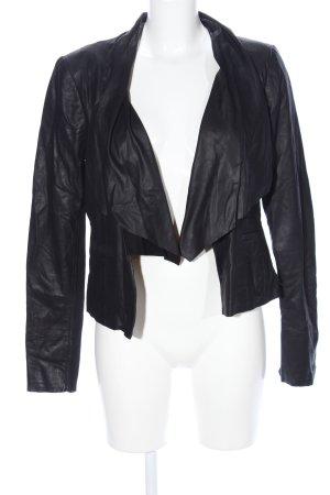 Only Blazer de cuero negro look casual