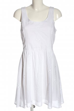Only Vestido cut out blanco look casual