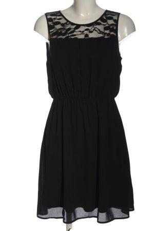 Only Mini vestido negro look casual