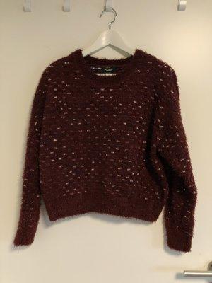 Only Warkoczowy sweter bordo-niebieski