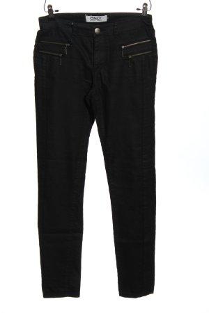 Only Pantalón de tubo negro look casual