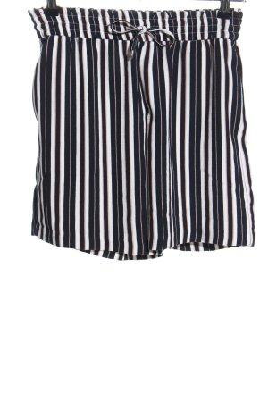 Only Shorts schwarz-weiß Streifenmuster Casual-Look