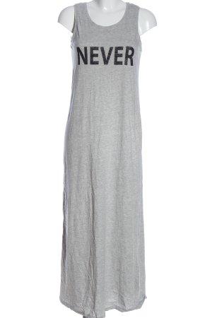 Only Vestido de Verano gris claro moteado look casual