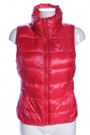 Only Quilted Gilet red quilting pattern casual look