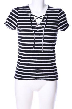 Only V-Ausschnitt-Shirt schwarz-weiß Streifenmuster Casual-Look
