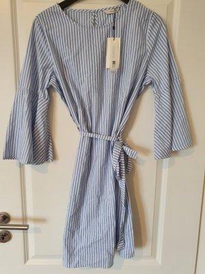 Only/Vero Moda Blusenkleid Hemdkleid gr. 40 kleid Sommerkleid Strandkleid Blau Weiß neu