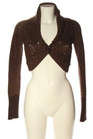 Only Jersey trenzado marrón look casual