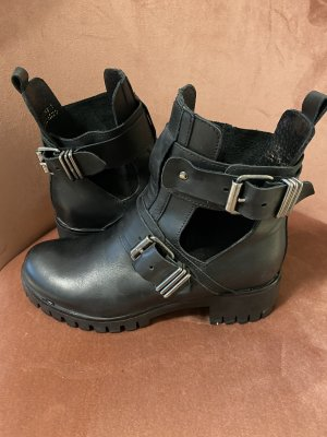 Onygo Cut Out Booties black